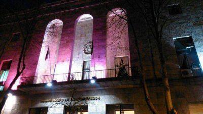 Iluminan de rosa edificios para difundir lucha contra el Cáncer de Mama