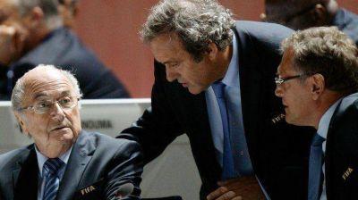 No hay contrato escrito por el pago de 1,8 millones de euros que Joseph Blatter le hizo a Michel Platini