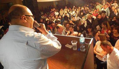 800 personas en el cierre de campaña de Reino
