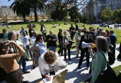 Protesta de vecinos por la venta de una parte del Buenos Aires Design