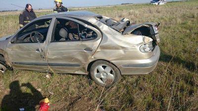 Un matrimonio bahiense y su pequeño hijo resultaron heridos en un vuelco en la Ruta 33