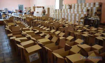 Comenzó la carga de urnas, mientras se aguarda por la prueba de telegramas