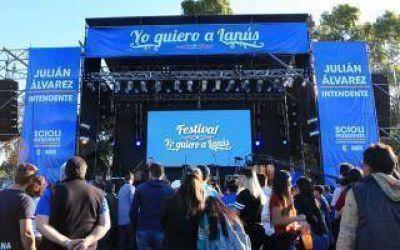 Elecciones 2015: Juli�n �lvarez cerr� su campa�a en Lan�s