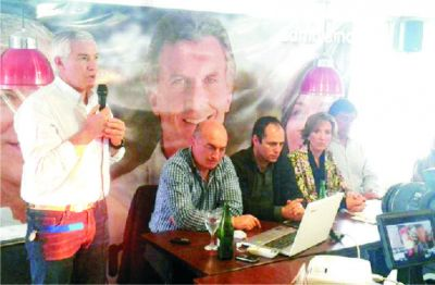 Gustavo López presentó las propuestas y líneas de acción para el período 2015-2019 en el parador Atalaya