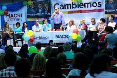 Multitudinaria reunión dirigencial del Frente Cambiemos en Resistencia