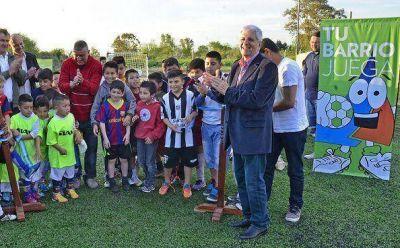 Luis Andreotti inauguró el playón deportivo del Club Santa Catalina