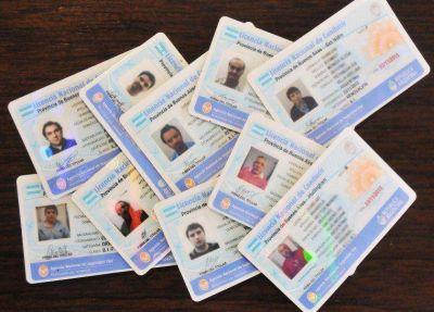 Por falta de pago, el Correo dejó de distribuir las licencias de conducir