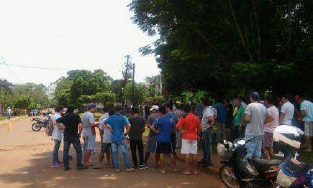 El Soberbio: Municipales recrudecen medidas por incumplimientos salariales