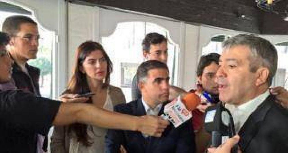 Cano sugirió que habría un acuerdo entre Macri y Massa, en una eventual segunda vuelta