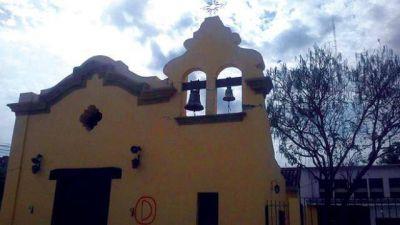 Hasta que se reconstruya la iglesia de El Galpón se celebrarán las misas en la calle