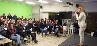 """Olavarría: el FpV capacita fiscales para """"una elección transparente y clara"""""""