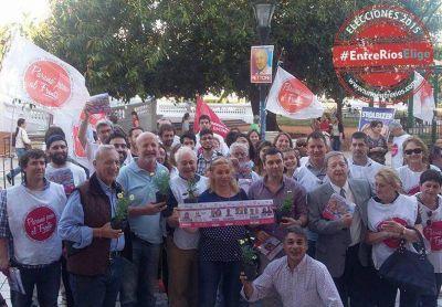 Progresistas cerró su campaña con reparto de margaritas