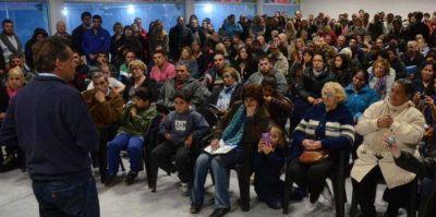 El candidato del Frente Marplatense se reunió con vecinos y fomentistas