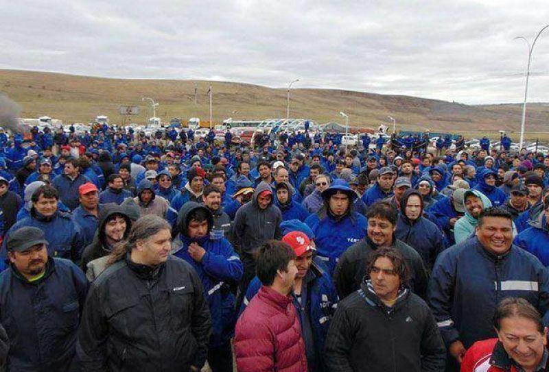 El Yacimiento de R�o Turbio est� totalmente parado. Cerca de 1000 trabajadores apoyaron paro y exigen renuncias