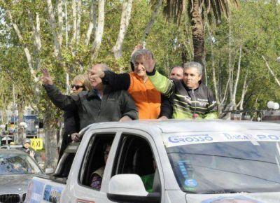 Alberto encabezó una multitudinaria caravana en Villa Mercedes