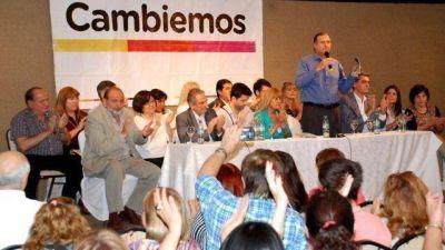 Cambiemos cerró su campaña con fuerte crítica a la oposición y acusó a Capitanich de violar la Ley Electoral Nacional