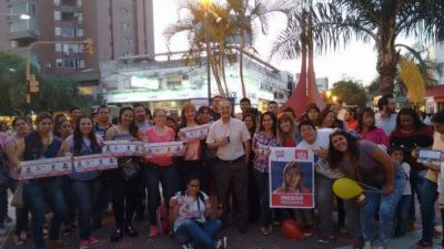 """En el cierre de campaña, Carlos Martínez aseguró que """"Progresistas es la alternativa a la derecha menemista y a la derecha liberal"""""""