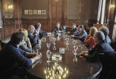 Los partidos acordaron evitar denuncias y provocaciones