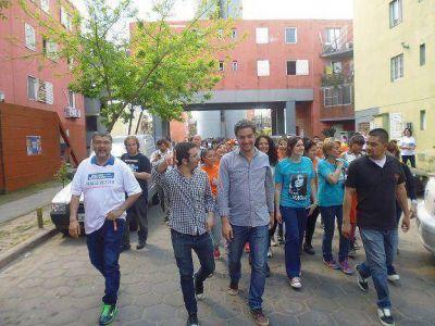 Santiago Cafiero cerró su campaña en el barrio San Isidro de Boulogne