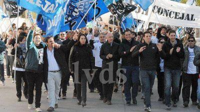 Multitudinario cierre de campaña de Cotillo por calles céntricas