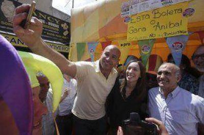 Vidal estuvo en Quilmes junto a Martiniano en la peatonal