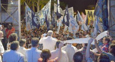 Fabi�n R�os exhort� a continuar en la lucha por los derechos sociales