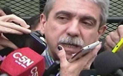 Elecciones 2015: Votó Aníbal Fernández en Quilmes