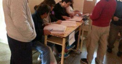 Elecciones 2015: De 30 autoridades designadas para la escuela 6, sólo asistieron 8