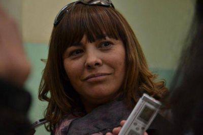 """Gabriela Peralta acudió a votar en familia: """"Es un día de celebración"""", dijo"""
