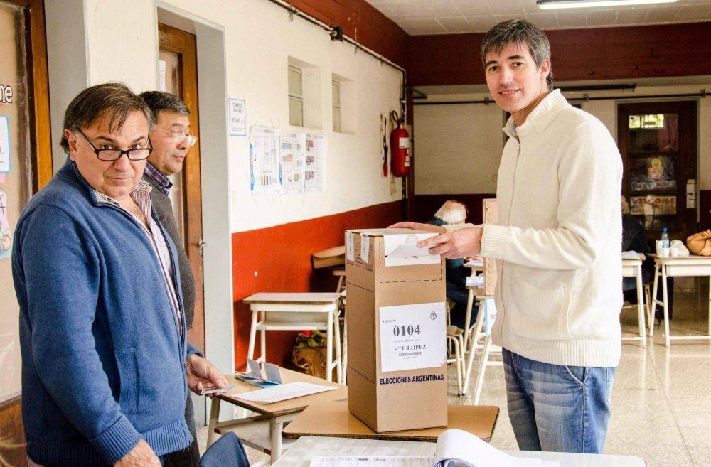 Adrián Pérez votó en Olivos