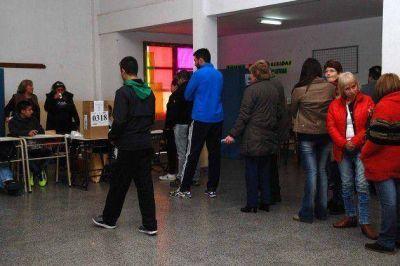 Los sanluiseños votan en un clima de normalidad