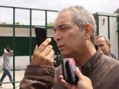 """Julio Alak emitió su voto: """"Esta elección tiene un altísimo nivel de organización"""""""