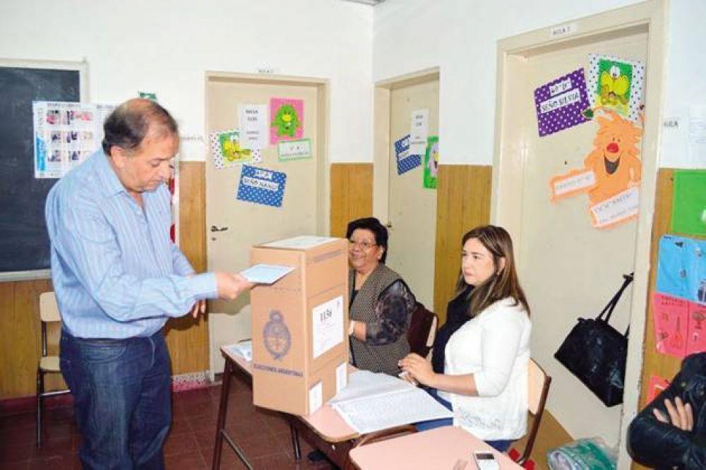 Linares agradeció acompañamientos y convocó a trabajar por Comodoro