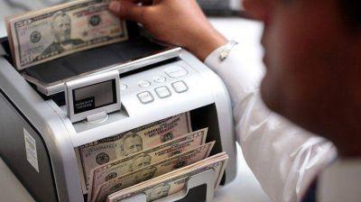 El dólar libre se desploma 35 centavos y se vende a $15,71