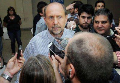 Perotti sostuvo que Scioli deber� hablar con todos los argentinos