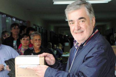 Das Neves ya aventaja a Buzzi por casi 3.800 votos