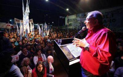 Zúccaro reúne a sus militantes para lanzar la campaña por Scioli