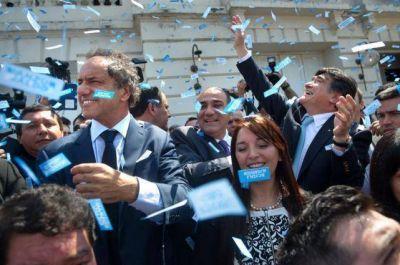 Manzur recibió el bastón y anunció reformas