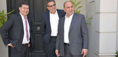 Beder y Casas junto a Scioli en la asunción de Juan Manzur