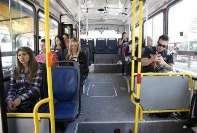 Colectivos porte�os: viajan menos pasajeros, pero m�s c�modos