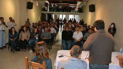 Fuertes exhibi� respaldo provincial ante el intento de Busti de deslegitimarlo