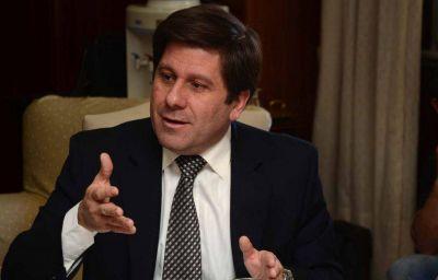 Sueldos: el Gobierno espera poder pagar ma�ana