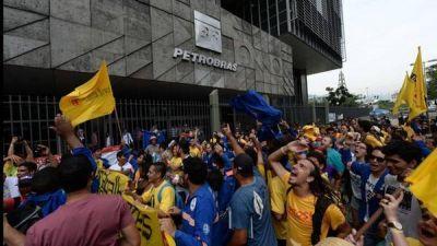 Paro en Petrobras por la venta de activos por US$ 57.000 millones