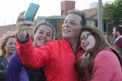 En la última semana de campaña, Ponce se reúne con vecinos de distintos sectores