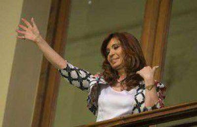 Cristina bajó la exposición durante la campaña y reaparece en un acto el viernes