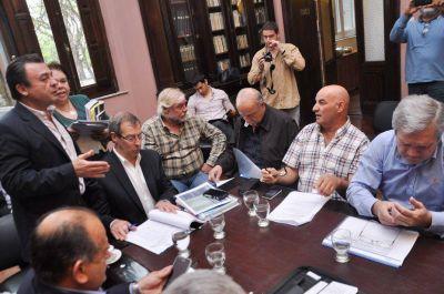 Valiero explicó detalles del presupuesto, se refirió a la pauta salarial y a la emisión de letras