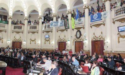 Con fuertes críticas de la oposición, se empieza a tratar el Presupuesto