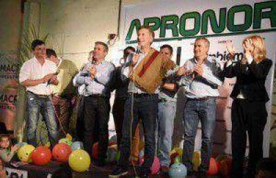 Macri anunció que buscará modificar la ley de medios si llega a ser Presidente