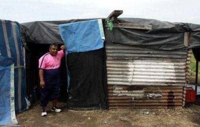 El Gobierno bonaerense censar� a las familias que ocuparon terrenos en Merlo