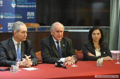 Alak, Parrilli y Trimarco encabezaron la primera reunión de una mesa de trabajo contra el delito de trata